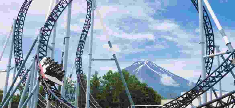 Montanha-russa Takabisha, ao lado do Monte Fuji, no Japão - Divulgação