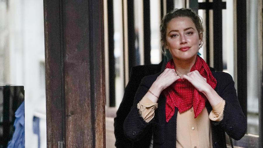 """Amber Heard chega para depor na Suprema Corte, em Londres - NIKLAS HALLE""""N/AFP"""