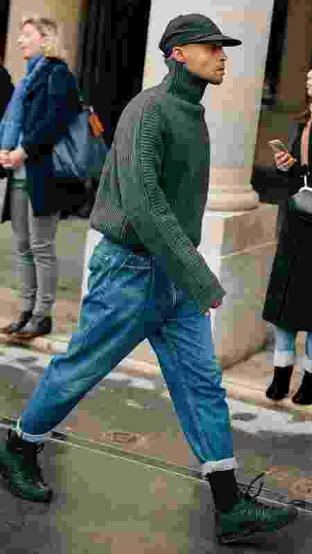 Chunky preto com jeans e casaco básico - Getty Images - Getty Images