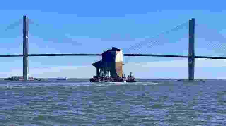 navio tombado EUA MV Golden Ray 4.000 carros - Divulgação/Guarda Costeira dos EUA - Divulgação/Guarda Costeira dos EUA
