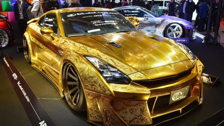 Nissan GT-R folheado a ouro - Divulgação