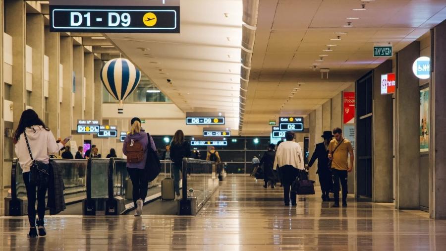 Só 3 mil cidadãos israelenses vão poder voltar no país por dia, depois de mais de cinco semanas de fechamento quase total dos aeroportos internacionais do país. - Getty Images