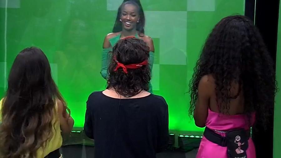 BBB 21: IZA invade casa do BBB 21 e conversa com finalistas - Reprodução/Globoplay