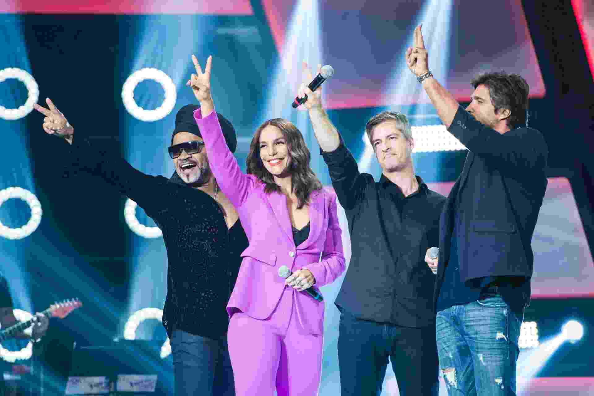 "Carlinhos Brown, Ivete Sangalo e a dupla Victor & Leo na primeira gravação do ""The Voice Kids"" - Caiuá Franco/TV Globo"