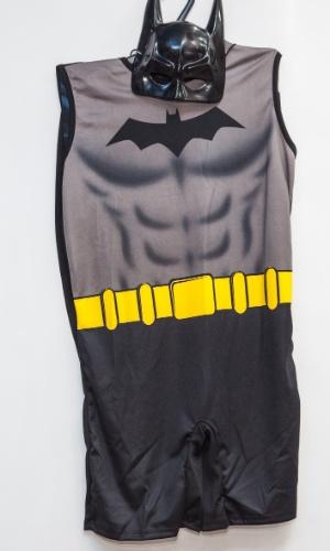 A fantasia de Batman custa R$ 72 na loja Porto das Festas e Fantasias (Ladeira Porto Geral, 88 - Centro - São Paulo)