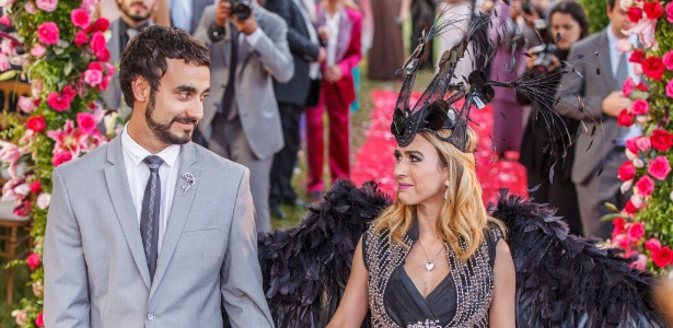 """Leozinho (Gabriel Godoy) e Fedora (Tatá Werneck) se casam em """"Haja Coração"""" - Artur Meninea/TV Globo"""
