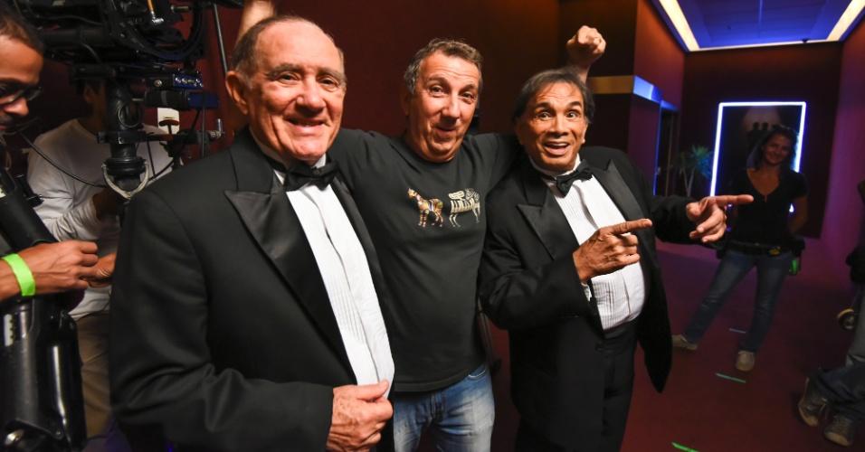 """Renato Aragão e Dedé Santana nos bastidores de """"Os Saltimbancos Trapalhões: Rumo a Hollywood"""""""