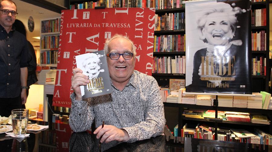 """Artur Xexéo no lançamento da biografia """"Hebe"""" em uma livraria do Leblon, zona sul do Rio - Anderson Borde/Ag.News"""