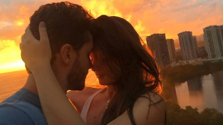 Camila Queiroz comemora primeiro aniversário de namoro com Klebber Toledo - Reprodução/Instagram/camilaqueiroz