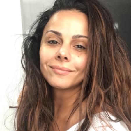 Viviane Araújo posa sem make - Reprodução/Instagram/araujoviviane