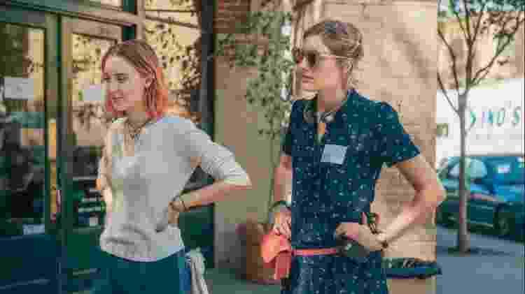 """A atriz Saoirse Ronan e a diretora Greta Gerwig (à direita) no set de """"Lady Bird: É Hora de Voar"""" - Merie Wallace/Divulgação - Merie Wallace/Divulgação"""