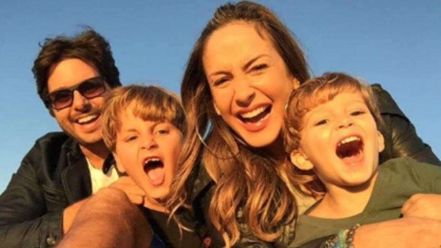 Claudia Leitte e Márcio Pedreira com os filhos, Rafael e Davi - Reprodução/Instagram