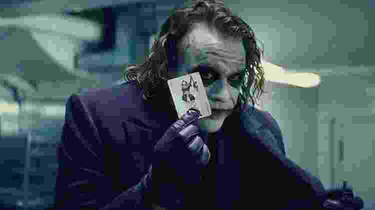"""Heath Ledger em cena de """"Batman: O Cavaleiro das Trevas"""" (2008) - Divulgação - Divulgação"""