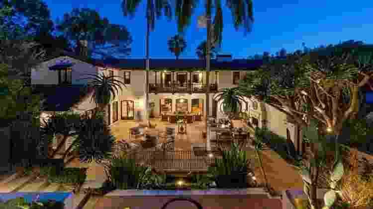 Fachada da mansão de Jim Parsons coloca à venda por US$ 9 milhões - Reprodução - Reprodução
