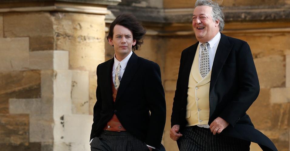 O ator Stephen Fry (à direita)