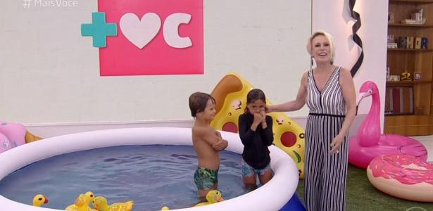 Ana Maria Braga faz netos tremerem de frio ao vivo em piscina inflável