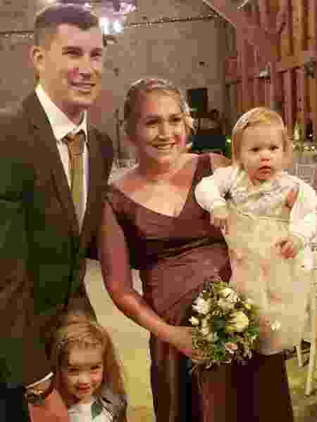 Brett e Nicola Kinloch com os filhos - Reprodução/Facebook