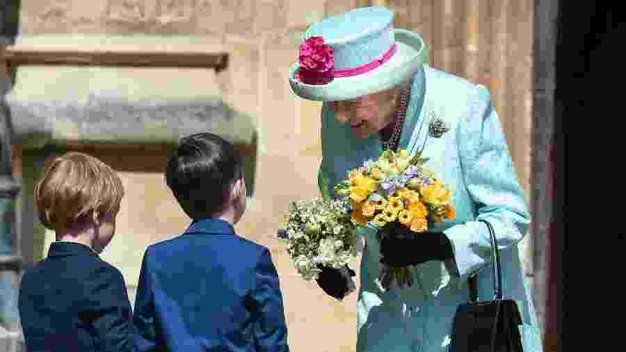 Rainha Elizabeth 2ª comparece a missa de Páscoa em seu aniversário de 93 anos - AFP