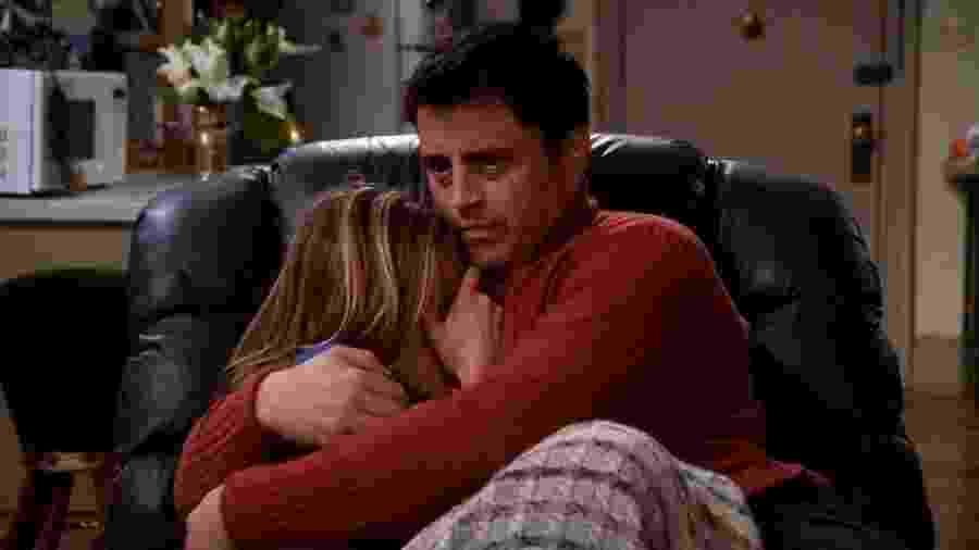Joey e RachelO roteirista conta que o relacionamento foi importante para transformar Joey - Reprodução/Warner