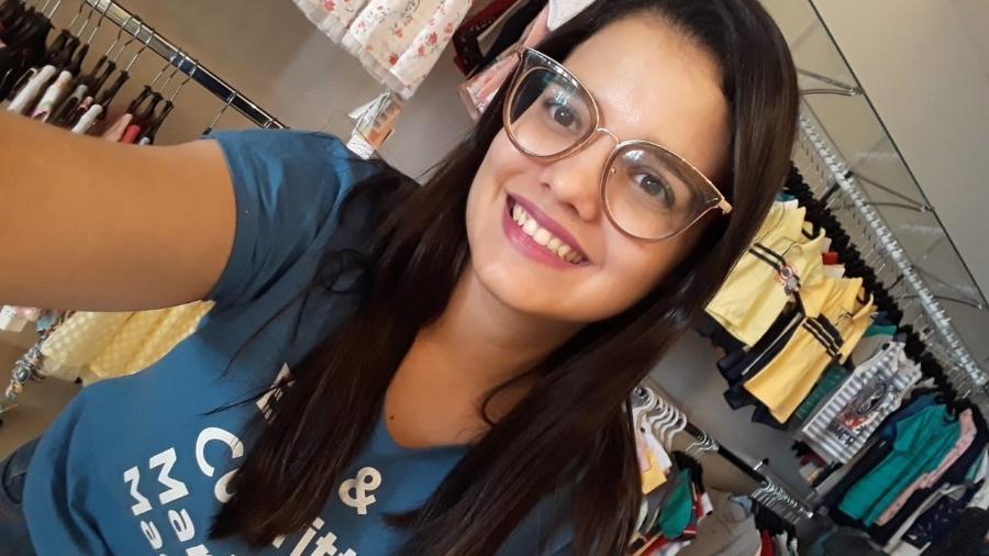 A jornalista Karla Rodrigues em sua loja de roupas infantis: dinheiro economizado durante 7 anos - Arquivo Pessoal