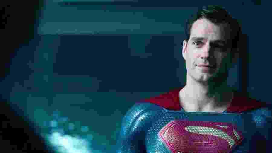 """Henry Cavill como Superman em """"Liga da Justiça"""" - Divulgação"""