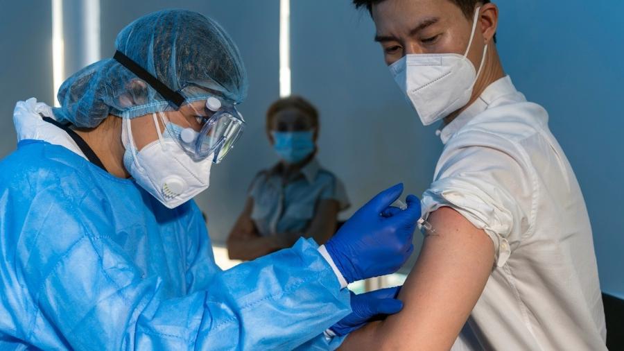 Vacinas contra a covid-19 aplicadas na China representa mais de um terço do total de doses do planeta - iStock