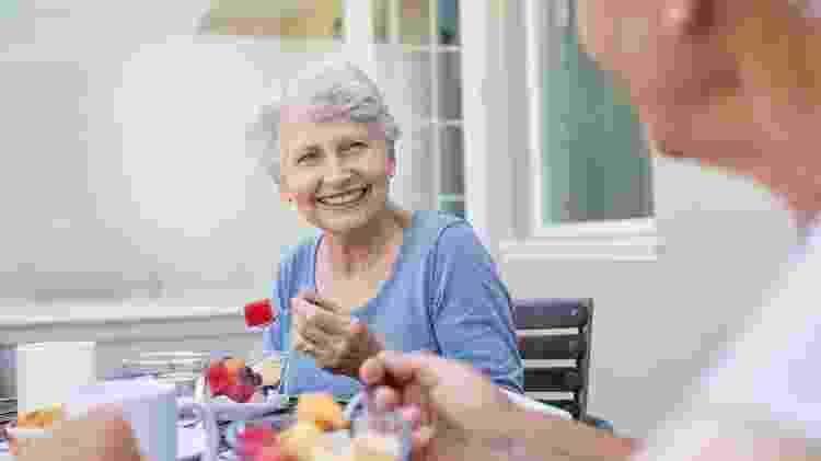 mulher mais velha, terceira idade - iStock - iStock
