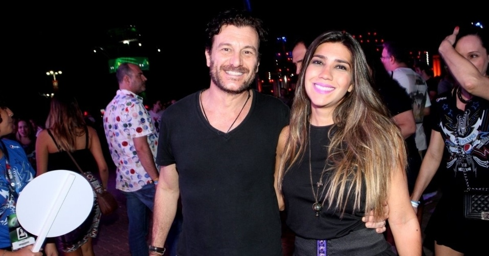 18.set.2015 - Roberto Birindelli com a mulher, a publicitária Juliana Sarda
