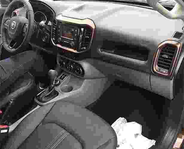Flagra com interior da Fiat Toro - Fiat Toro Clube