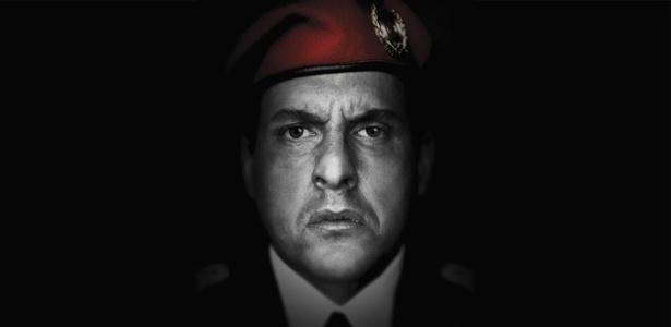 """O ator colombiano Andrés Parra como Hugo Chávez para a série """"El Comandante"""" - Divulgação/Sony"""