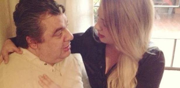 Gerson Brenner com a filha Anna Haas; ator já está em casa - Reprodução/Facebook