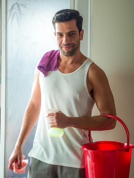 Cláudio Andrade Júnior, ator e modelo, vai despertar o interesse de Samuel (Eriberto Leão) - Raquel Cunha/TV Globo