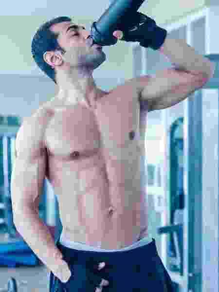 """Tomar suplemento não é """"obrigatório"""" para ter bons resultados no treino, mas eles ajudam quem tem uma rotina agita ou precisa de um aporte maior de certos nutrientes - iStock"""