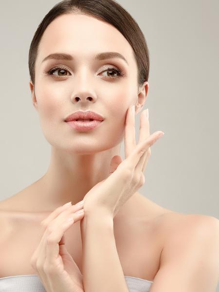 Extrato de folha ajuda a prevenir envelhecimento da pele - Sofia Zhuravets/iStock