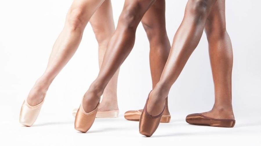 f8a2f76310 Sapatilhas de balé marrons são lançadas 200 anos depois das cor-de-rosa