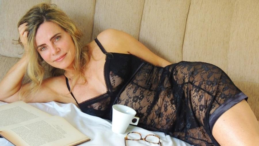 Bruna Lombardi, 66, curtiu a manhã de sábado na cama na maior preguiça - Reprodução/Instagram/@brunalombardioficial