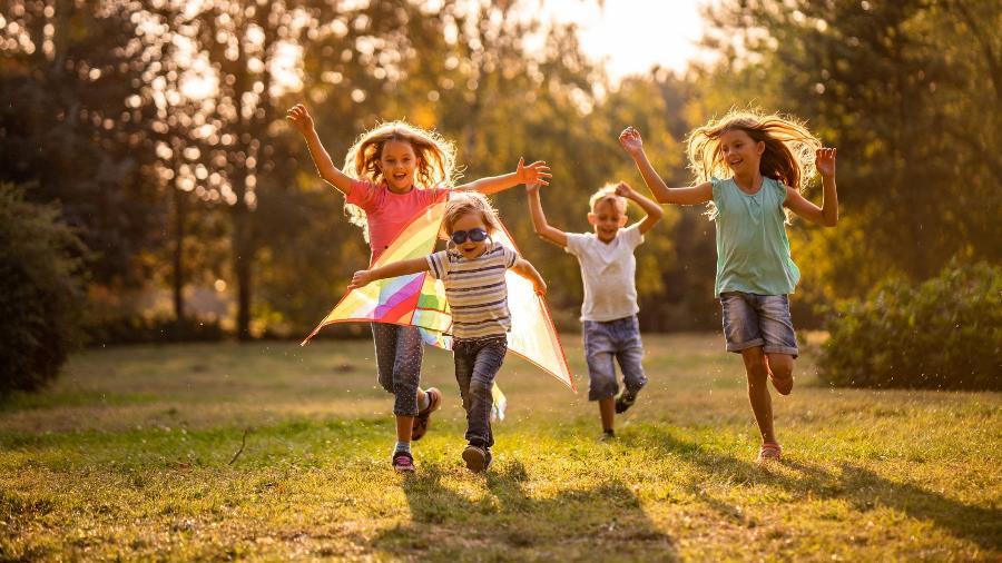 Crianças deveriam se preocupar só em ser crianças, né? - iStock