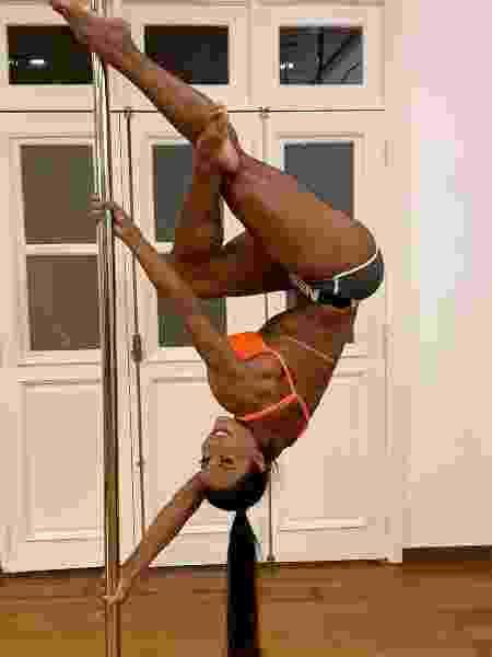 Gracyanne Barbosa em aula de pole dance - Reprodução/ Instagram