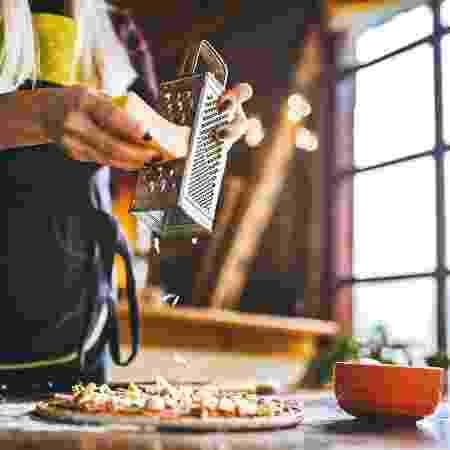 Fazer pizza em casa - iStock - iStock