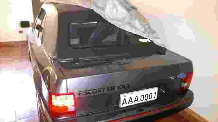 ford escort xr3 conversível 1990 placa aaa 0001 primeira placa cinza do Brasil Jaime Nunes da Silveira Filho traseira - Arquivo pessoal - Arquivo pessoal