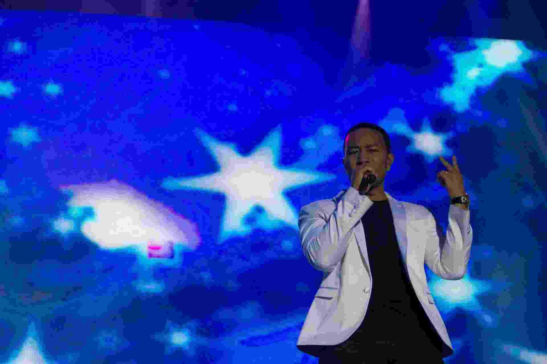 20.set.2015 - John Legend se apresenta no palco Sunset no terceiro dia do Rock in Rio 2015 - Luciano Belford/Agência Estado