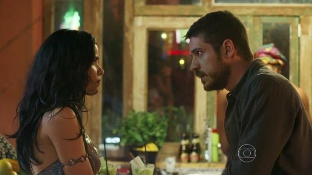 Tóia (Vanessa Giácomo) e Dante (Marco Pigossi) se encontram em