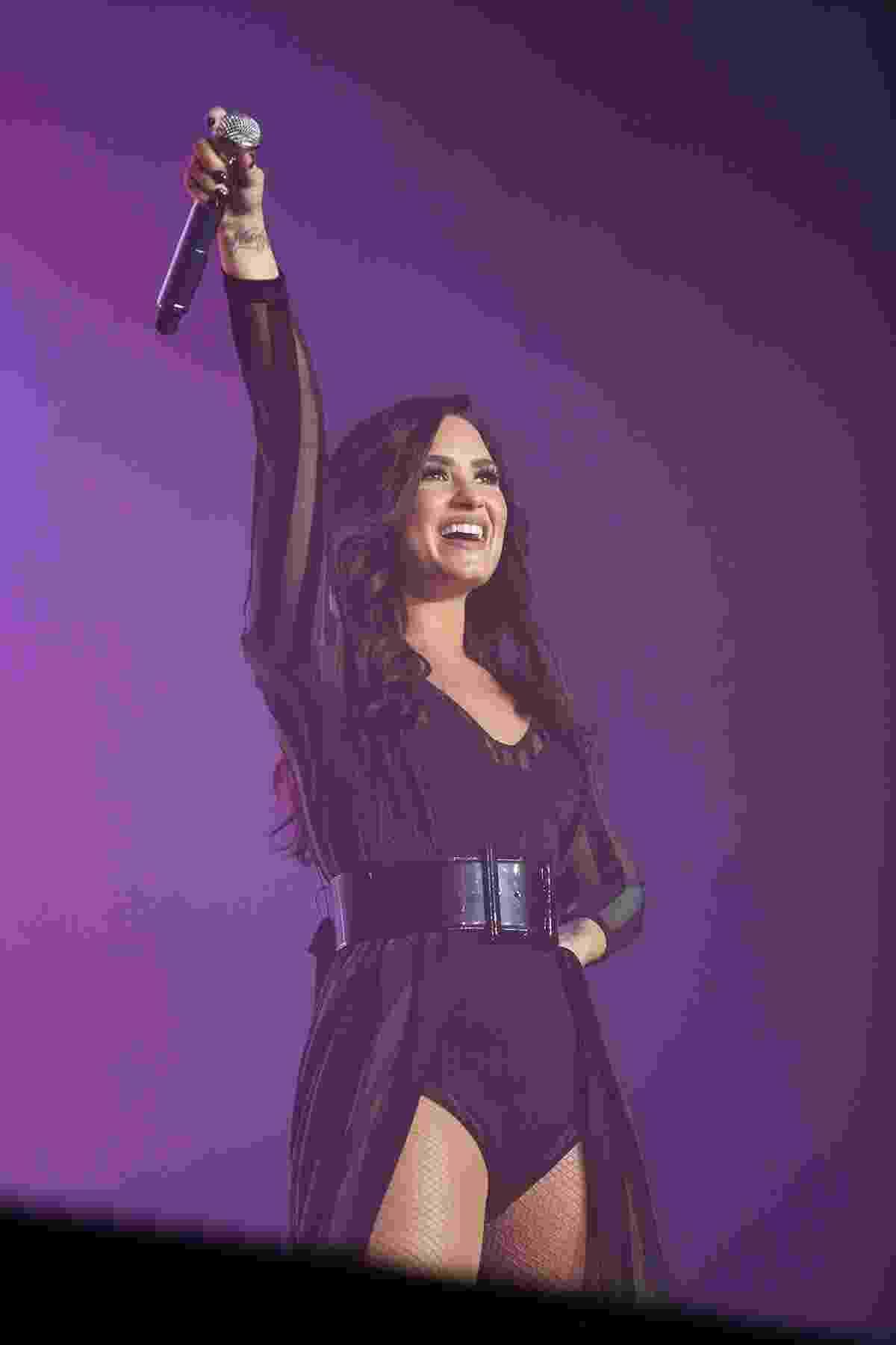 10.dez.2016 - De volta ao Brasil, Demi Lovato traz seu pop para o Z Festival, em São Paulo. Ela é a principal atração do evento - Iwi Onodera/Brazil News