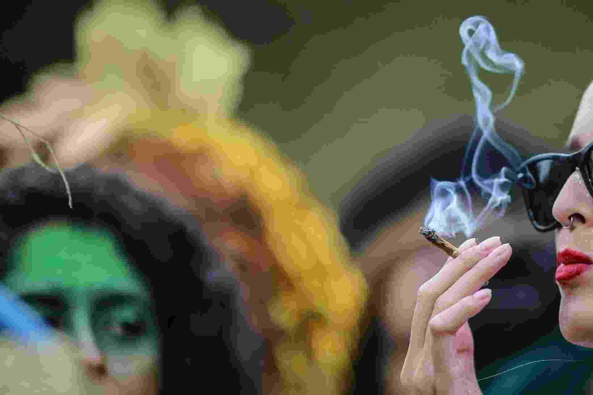 """Carnaval canábico: """"Bloco do Manjericão"""" anima último dia de Carnaval em BH - CRISTIANE MATTOS/FUTURA PRESS/ESTADÃO CONTEÚDO"""
