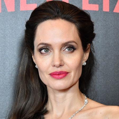 A atriz Angelina Jolie lidera a lista entre as mulheres; Bill Gates é o 1º entre os homens - Dia Dipasupil/Getty Images