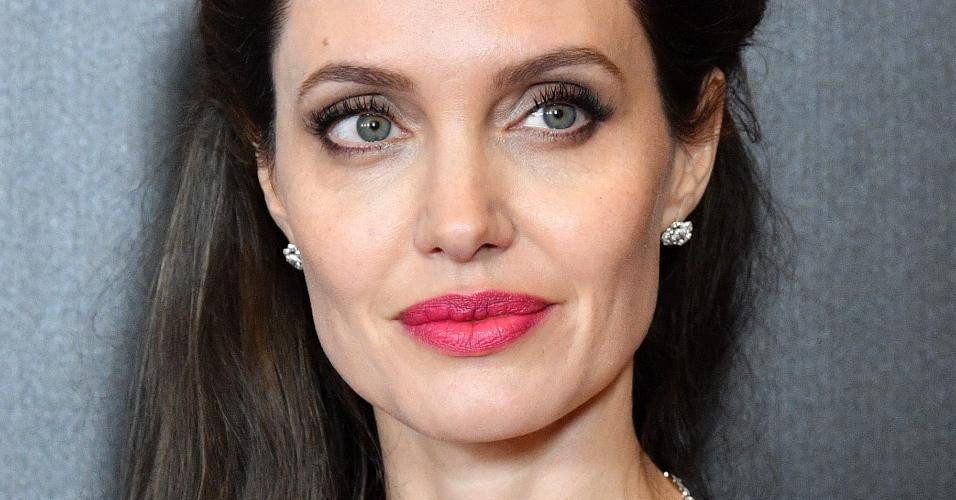 """A atriz e diretora Angelina Jolie na premiere de """"First They Killed My Father"""" em Nova York, em setembro de 2017"""