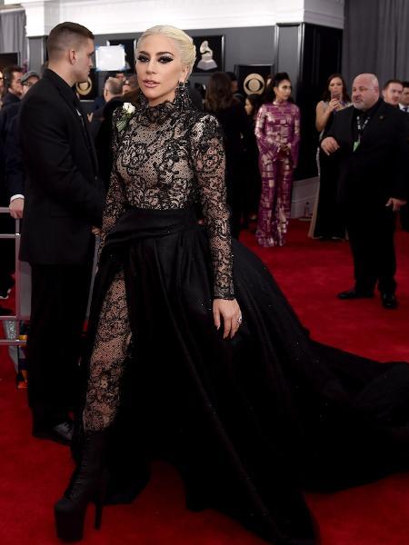 Lady Gaga no tapete vermelho do Grammy 2018 - Getty Images