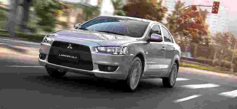 Lancer é vendido em duas versões e motor 2.0 de 160 cv - Divulgação