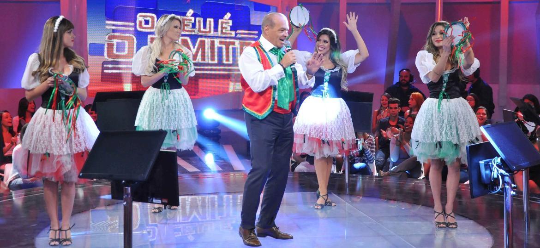 Após bater marca de R$ 1 mi, Marcelo de Carvalho se fantasia de siciliano e dança - Divulgação/RedeTV!
