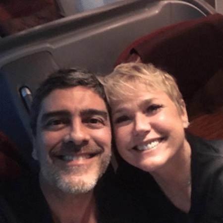Junno Andrade e Xuxa Meneghel embarcam para viagem - Reprodução/Instagram